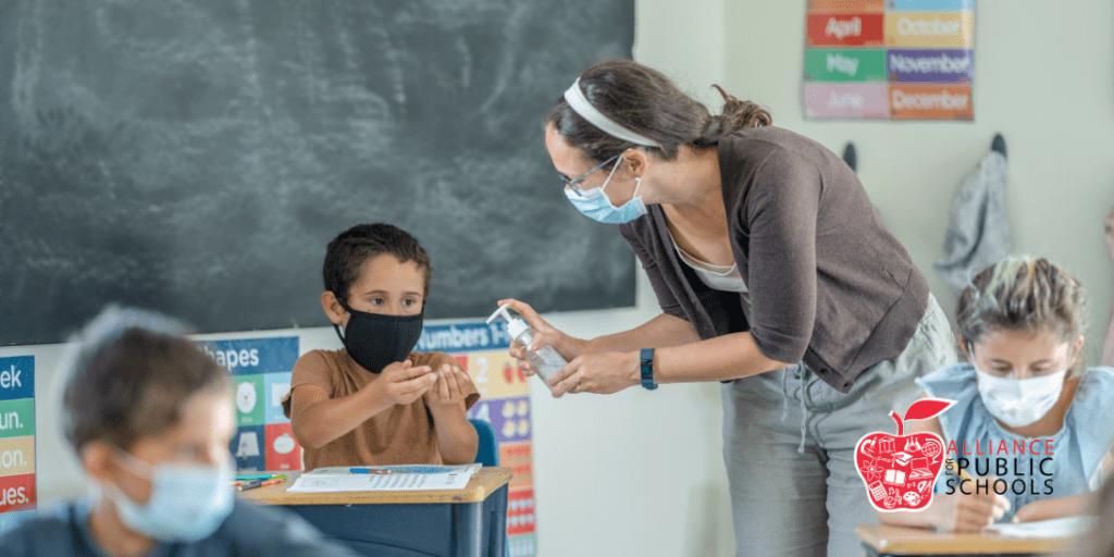 Teacher pandemic classroom